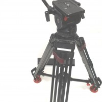 Satchler Carbon Fibre 18p Tripod with 2x Pan handles, Speedlocks and CVT Plate.