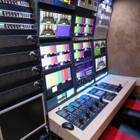 12-CAMERA DOUBLE EXPANDER HD 3G OB TRUCK - Image #9