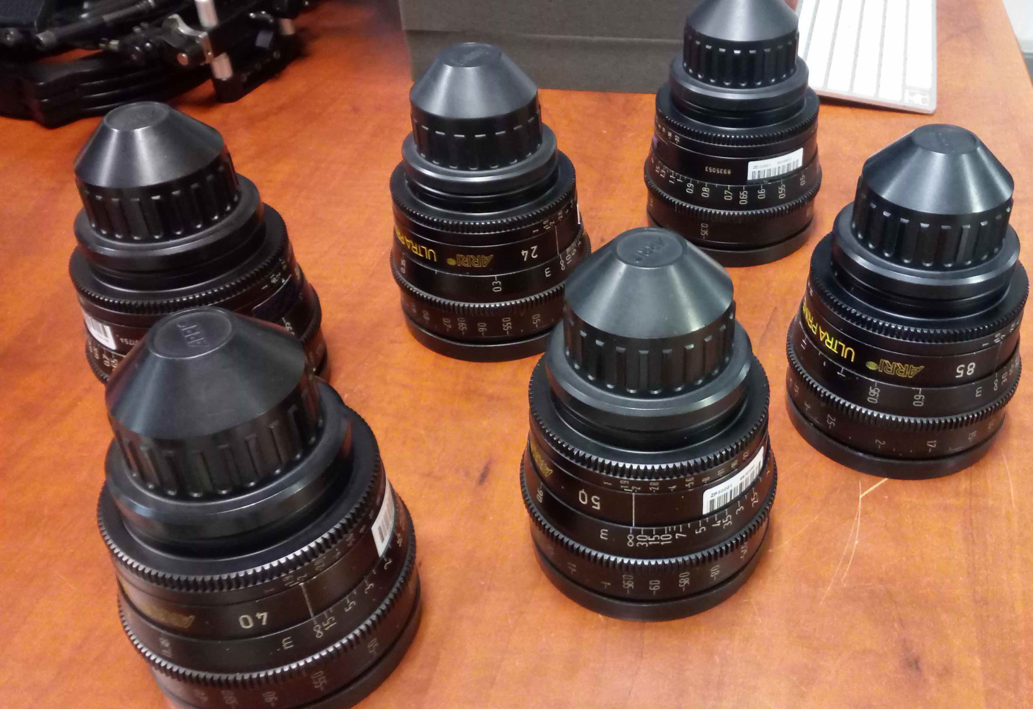 Arri/Zeiss  ULTRA PRIME with 6 lenses Ultra Prime T1.9 ( 16, 24, 32, 40, 50, 85mm - Image #1