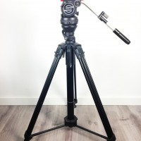 Excellent condition tripod head + Pneumatic column tripod