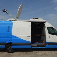 Left Hand Drive HD DSNG with 1.5m Advent Antenna